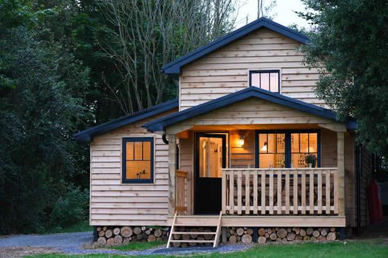 walden-lodge-exterior