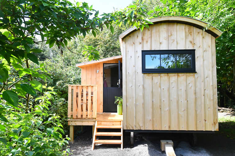 Bugail Hut Exterior